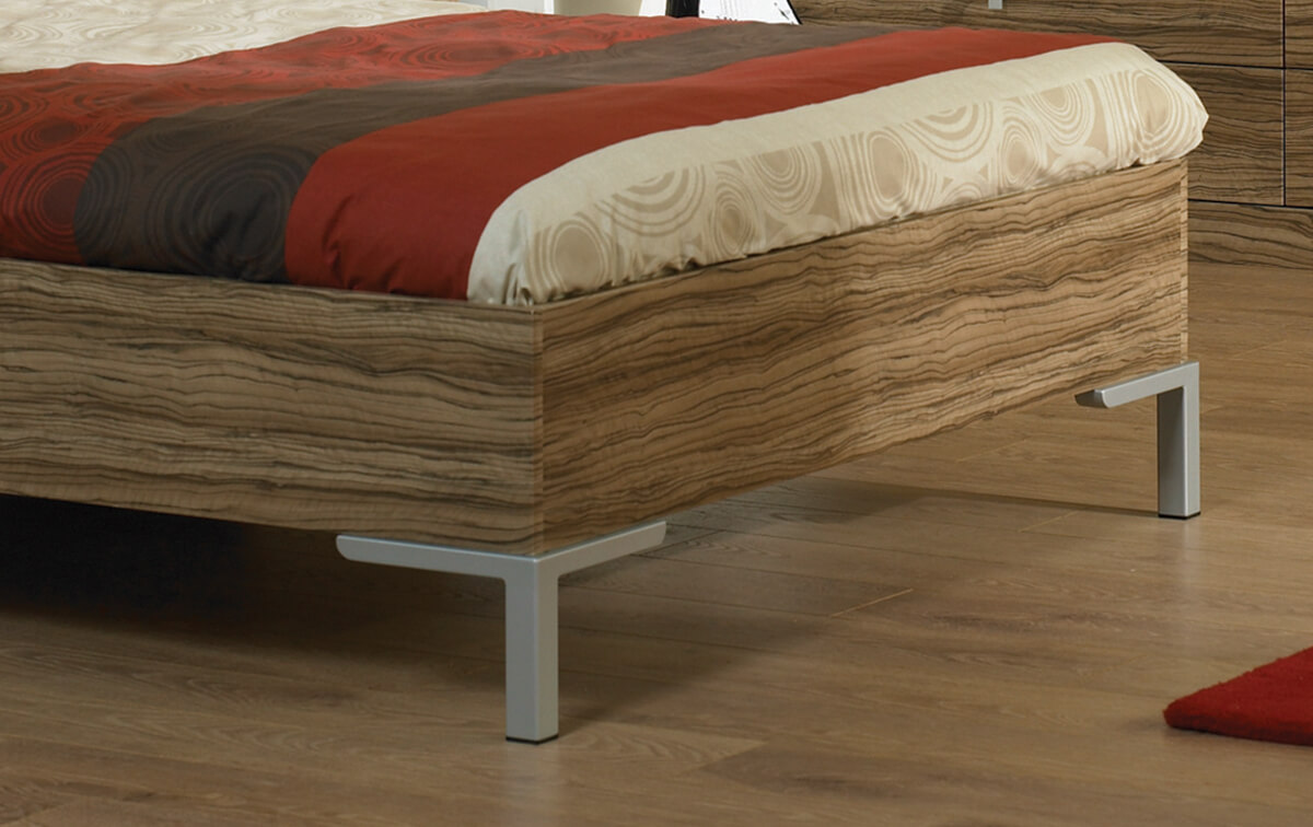 Bed-Frame-with-Square-Corner-Legs