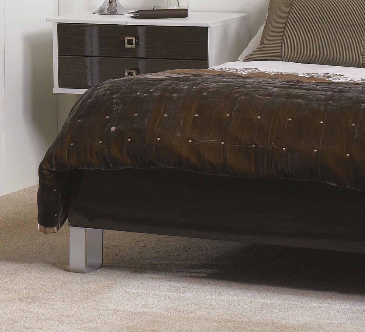 Bed-Frame-with-U-Shape-Legs