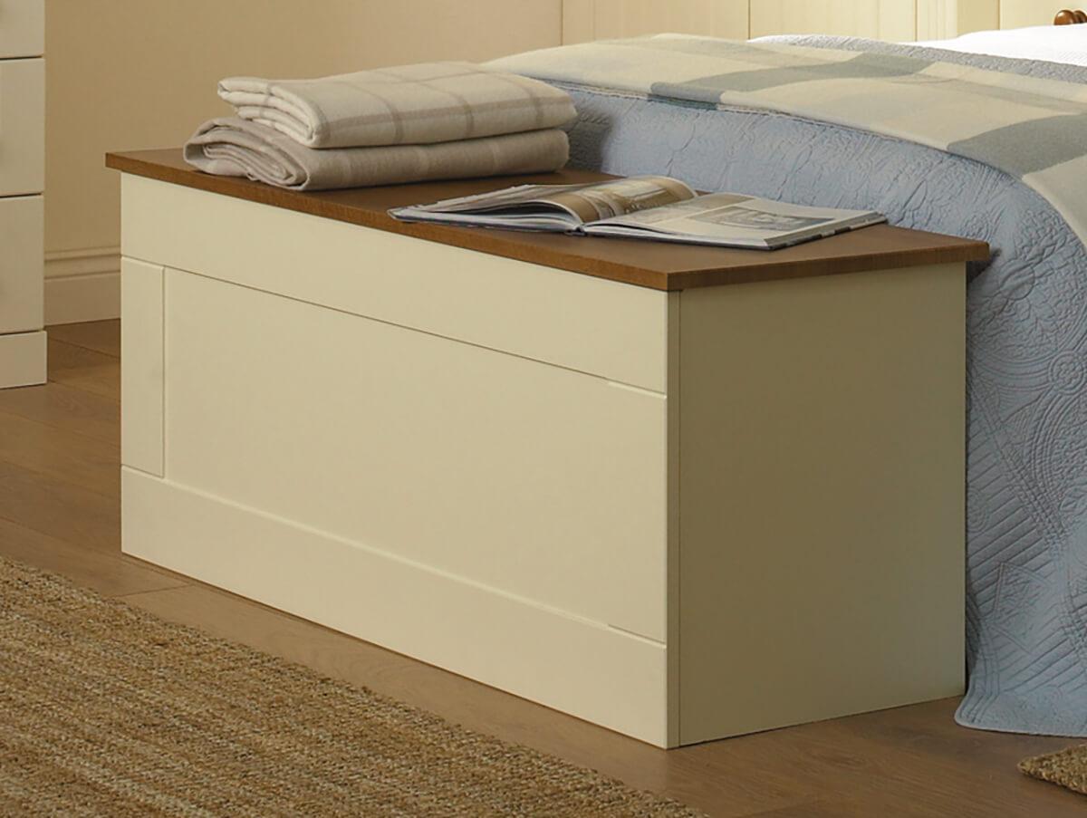 Newport-Blanket-Box